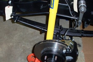 steering-linkage-and-idler-installed